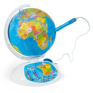 globe-terrestre-interactif-enfant-Clementoni