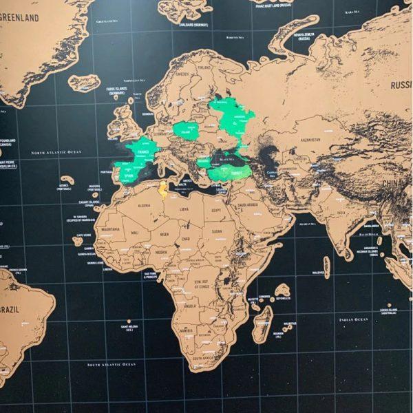 carte-du-monde-a-gratter-noir-verte